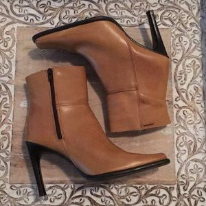 Shoes - Mustang Booties